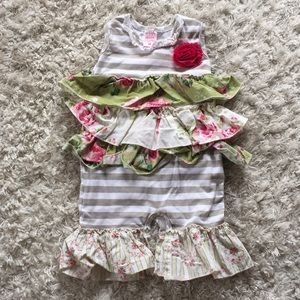 Giggle Moon outfit sz 6 M GUC